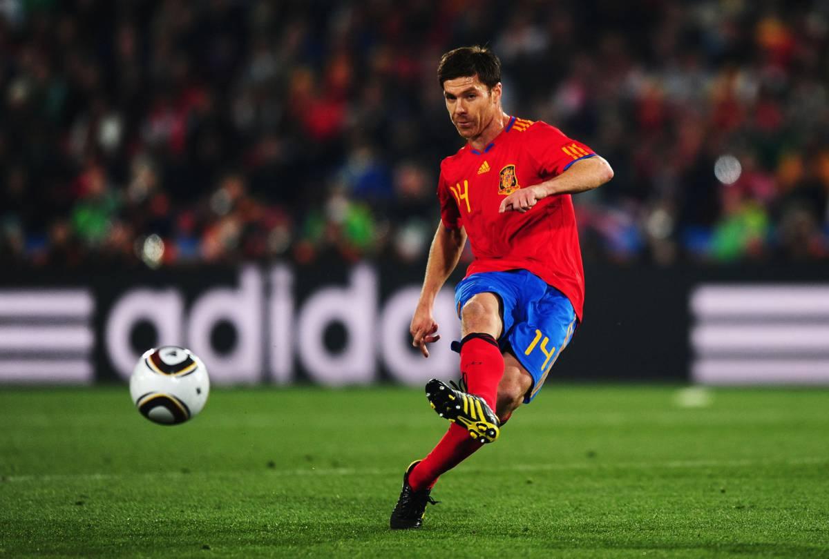 Arriesgar o conformarse: por qué Xabi Alonso ha sido absuelto y Cristiano Ronaldo no