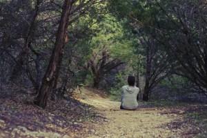 En la introversión la atención se focaliza en el mundo interior de la persona.