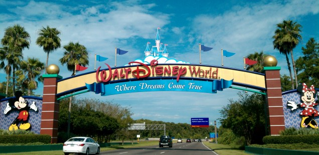 Simple and easy tips to maximize  your Walt Disney World vacation