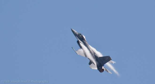 F16 Climb with vapor trail