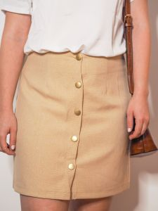 falda beige tiro alto Josephine Looks 2