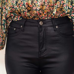 pantalón polipiel negro 6
