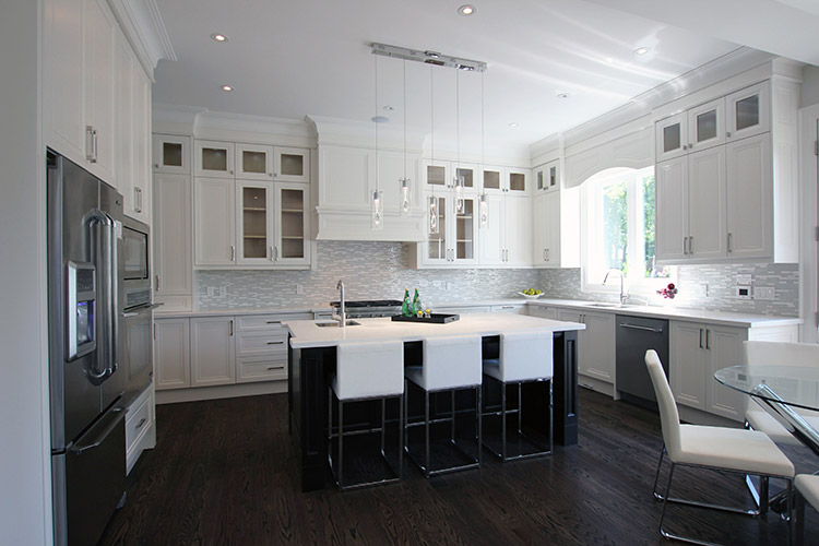 Toronto and Thornhill Custom Transitional Kitchen Design
