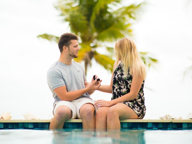 F09A3950 640x480 c - Grand Cayman Engagement Photography