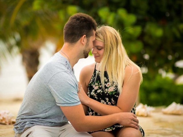 F09A3973 640x480 c - Grand Cayman Engagement Photography