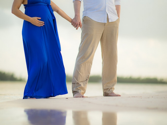 BC8A4038 640x480 c - Grand Cayman Maternity Photography