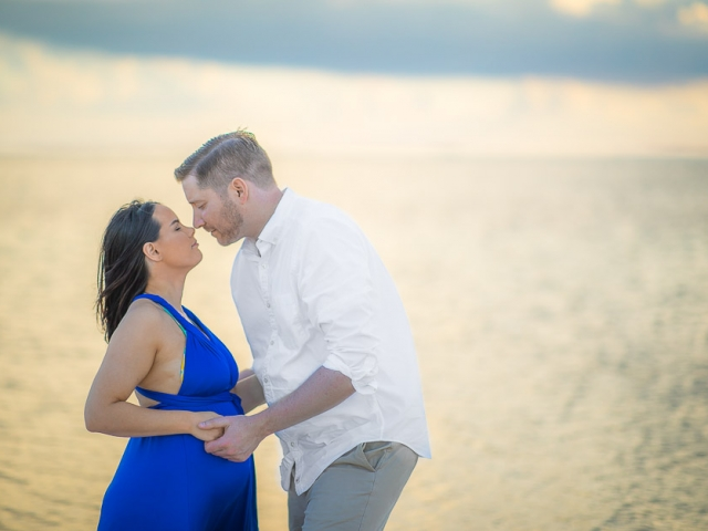 BC8A4077 640x480 c - Grand Cayman Maternity Photography