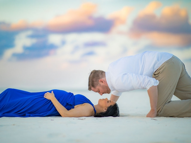 BC8A4083 640x480 c - Grand Cayman Maternity Photography