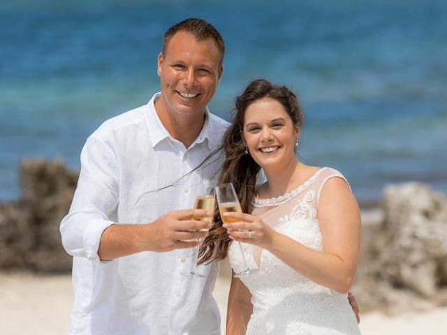 BC8A6954 640x480 c - Cayman Islands Wedding