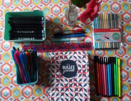 Bullet journal, stylos, feutres, fournitures de Josette