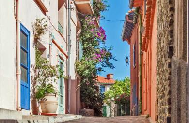 France-Collioure Alleyway.