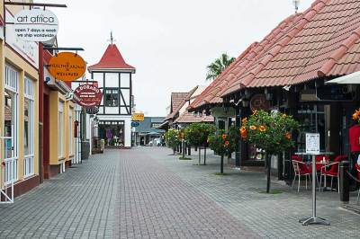 Built in pseudo-German colonial style, the modern Swakopmund pedestrian shopping mall is especially popular with tourists.