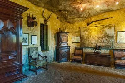 Maison Forte de Reignac - living room.