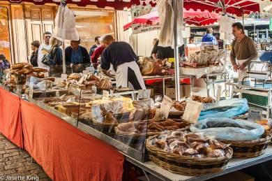 Sarlat-Market.