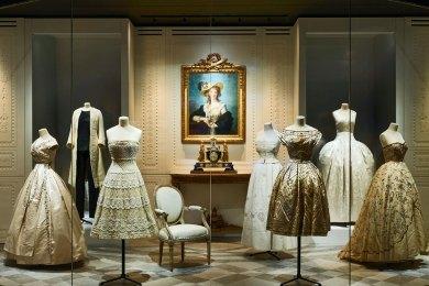 Paris-Dior Versailles.