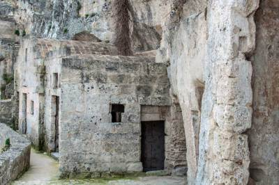 Cliffside alleys of Sasso Caveoso.