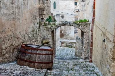 Sassi-Cobble alleys.