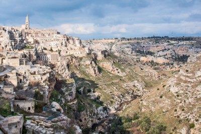 The Gravina ravine.
