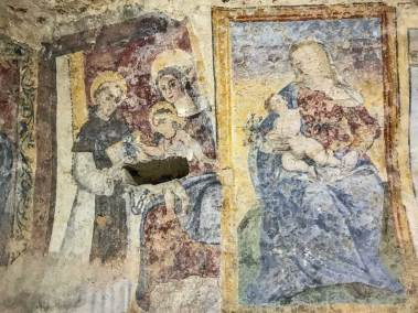 Frescoes in the early rupestrian churches of the sassi (1).