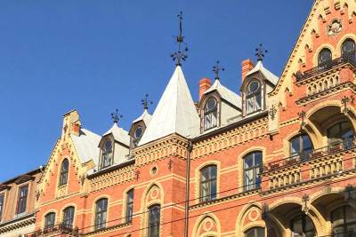 Art Nouveau buildings can be found throughout the city (1)