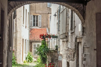 A back alley in the historic center of Dijon.