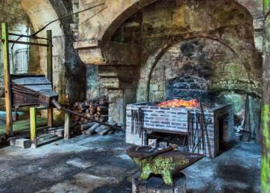 Burgundy-Fontenay iron works