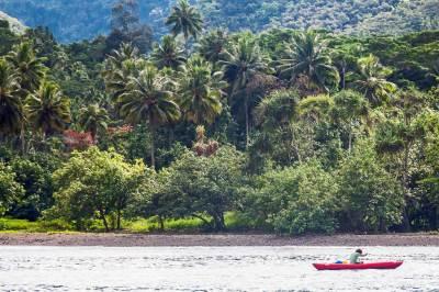 Marquesas-Fatu Hiva morning1.