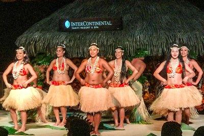 Hei Tahiti performance at Te Tiare.