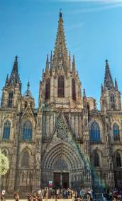 The 13th century Gothic Barcelona Cathedral acquired its flamboyant neo-Gothic exterior int the early 20th century.