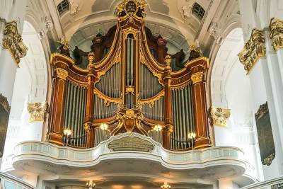 The main organ of Saint Michael church features 85 registers, 5 manuals and 6674 pipes.