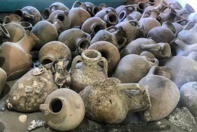The shipwrecks of the  Adge coast yielded a hundreds of Greek and Roman amphorae (1)