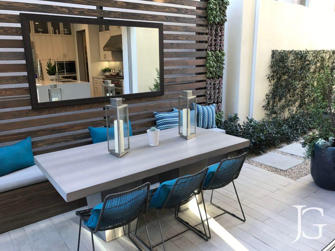 Marlowe Playa Vista Plan 2 Side Yard