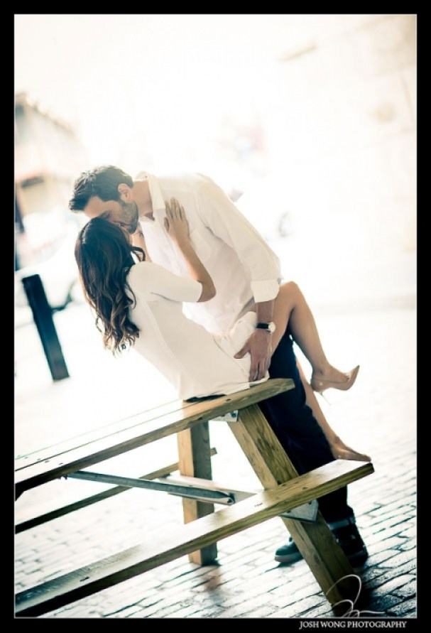 Romantic-DUMBO-engagement-photos