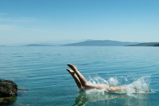 blue dive jump 87836