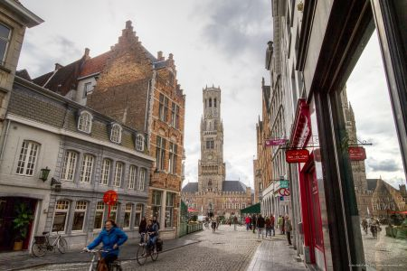 20160430 - 085342 - _MG_0816 - Brugge, dag 2 - Canon7D - +0 stop_+2 stop_-2 stopEnhancer01