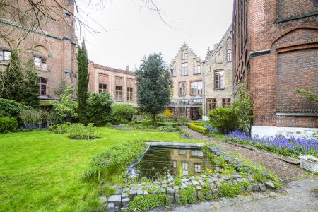 20160430 - 093845 - _MG_0847 - Brugge, dag 2 - Canon7D - +0 stop_+2 stop_-2 stopEnhancer01