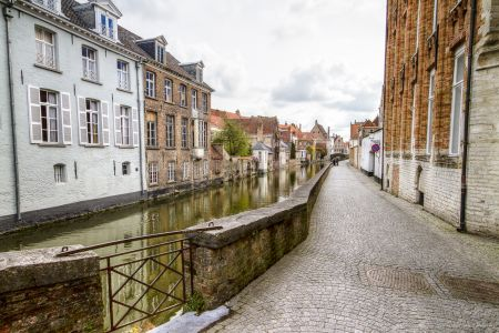 20160430 - 094758 - _MG_0855 - Brugge, dag 2 - Canon7D - +0 stop_+2 stop_-2 stopEnhancer01