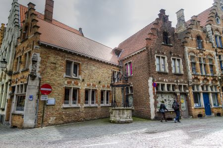 20160430 - 104858 - _MG_0883 - Brugge, dag 2 - Canon7D - +0 stop_+2 stop_-2 stopEnhancer01