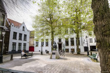 20160430 - 110510 - _MG_0894 - Brugge, dag 2 - Canon7D - +0 stop_+2 stop_-2 stopEnhancer01