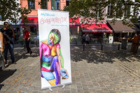 20160827 - 121116 -  MG 3225 - Brussel (B) - Canon EOS 7D - +0 Stop +2 Stop -2 StopEnhancer01