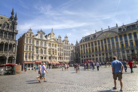 20160827 - 132431 -  MG 3284 - Brussel (B) - Canon EOS 7D - +0 Stop +2 Stop -2 StopEnhancer01