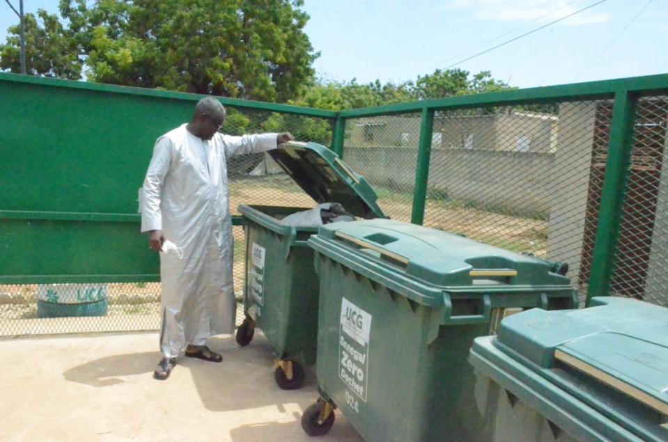 Gamou 2021 :Visite du coordinateur  national de l'UCG Mass Thiam qui déploie des agents et du matériel de nettoiement à Thies et Ndiassane