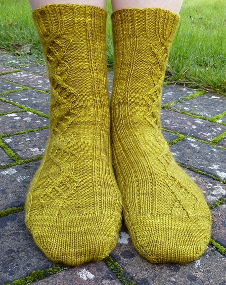 Jo Torr Perivale cable socks