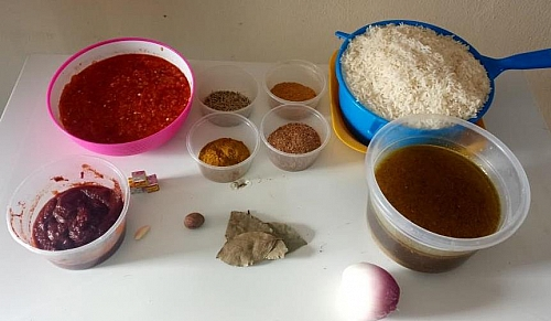 Ingredients for making jollof rice recipe