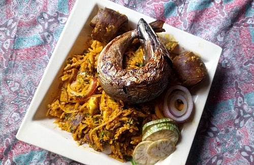 Serving abacha with extra veggies and smoked mackerel