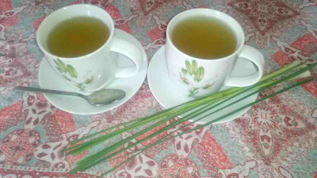 homemade lemongrass tea