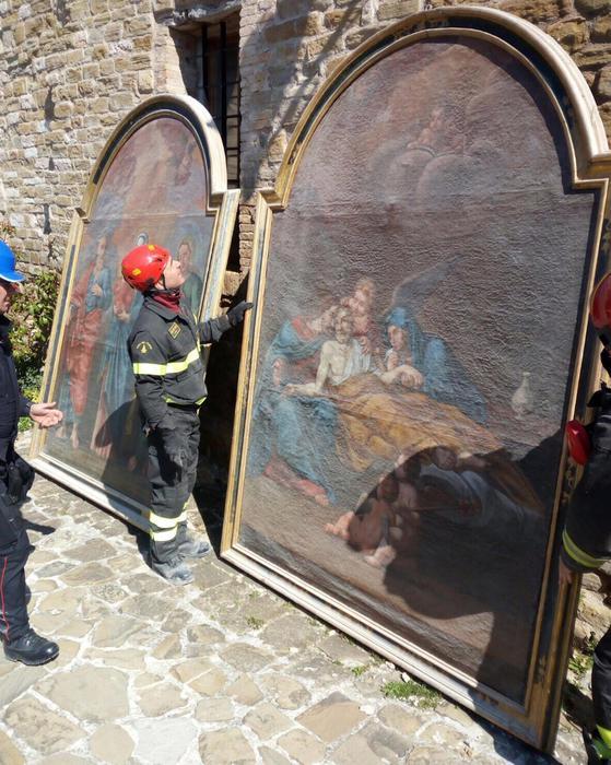 Terremoto: recupero opere d'arte a Pievebovigliana