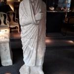 Torna in Italia la statua di togato individuata presso un antiquario a Bruxelles