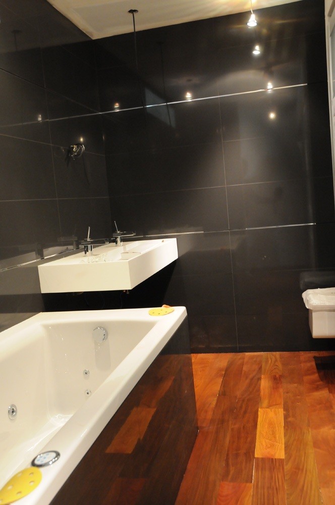 Travaux du loft Chapitre 8  Opration pose de carrelage dans la salle de bain  Journal du Loft
