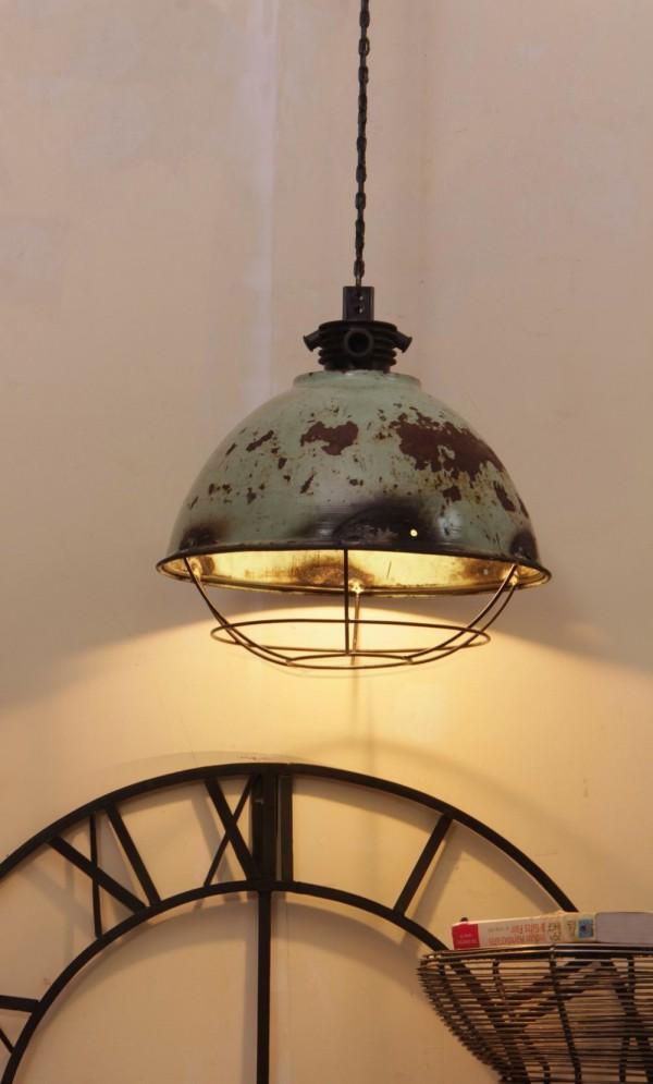 Suspension industrielle  Le luminaire idal pour votre loft   Journal du Loft